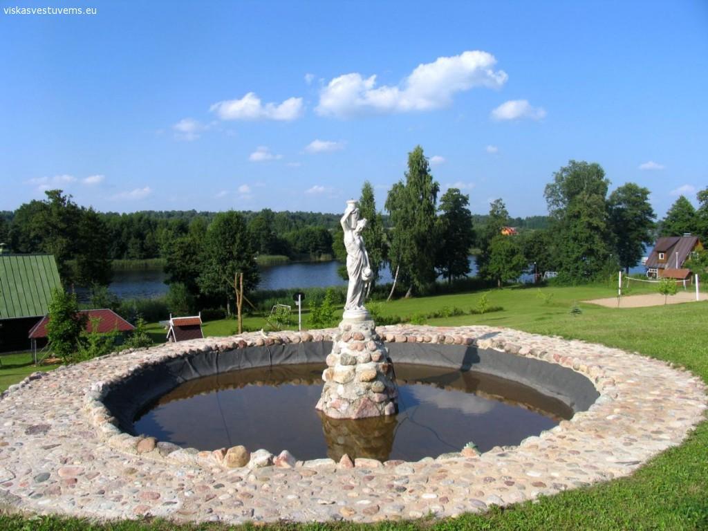 """""""Sodyba Jums"""" ant ežero kranto Trakų raj."""