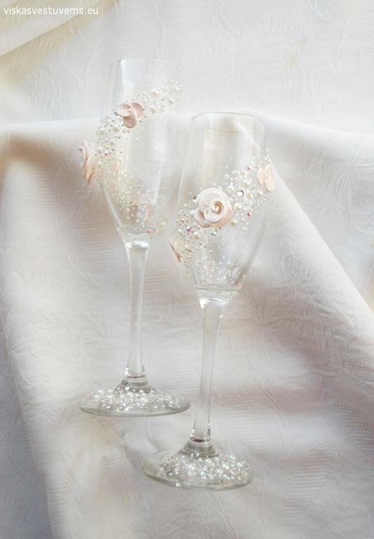 Vestuvinės taurės pagal užsakymą